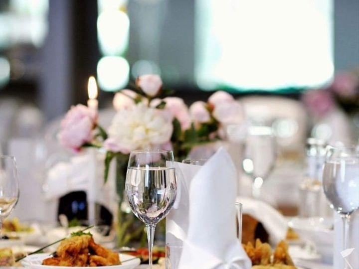Tmx 1525168824 0f23fcc801ac5db5 1525168823 74116df31e2f56bb 1525168821933 4 Qtq80 MGcAsI 1600x Oklahoma City, OK wedding catering