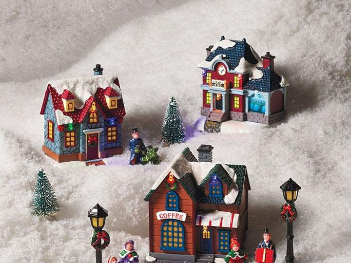 Tmx 2020 Holiday Village Scene 11 Pc Set 51 1988613 160209103295241 Tampa, FL wedding favor