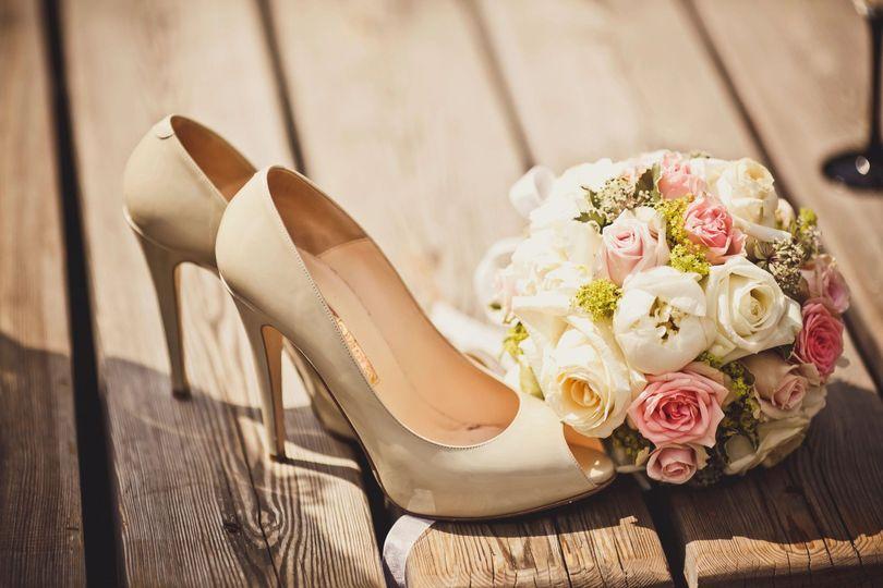 Wedding shoes & bouquet