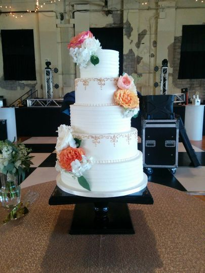 Amy Cakes Wedding Cake Norman Ok Weddingwire