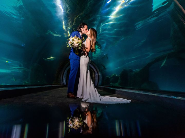 Tmx Ww Couple In Tunnel 2 1 51 2813 160511582558164 Camden, NJ wedding venue