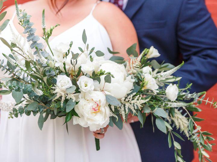 Tmx 207176914 4249360245126433 3413089252937965893 N 51 1034813 162509629166041 Delafield, WI wedding florist