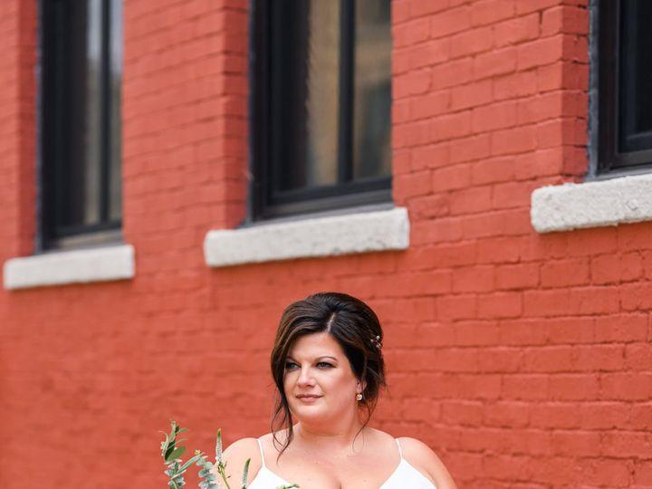 Tmx 207249074 4249358588459932 3215450289414287424 N 1 51 1034813 162509628468439 Delafield, WI wedding florist