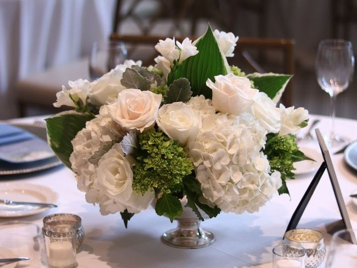 Tmx Insta Lowcenterpiece 51 1034813 162665793022545 Delafield, WI wedding florist