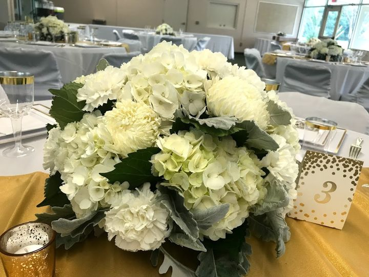 White flowers centerpiece
