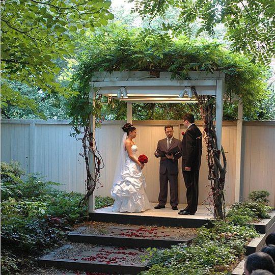Chase court wedding ceremony in the garden