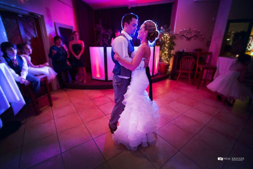 6171e170068978b1 1443803857589 graves wedding 2461