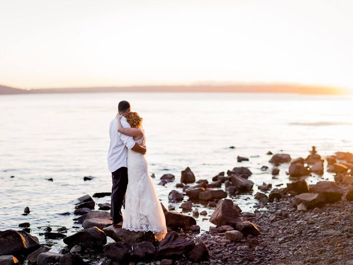 Tmx Couple On Beach 51 565813 159595777422410 SeaTac, WA wedding venue