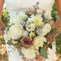 Tmx 1515608712 6600d747b9183cba 1515608711 E79d95f096cd5841 1515608711231 2 19059166 123957244 Great Falls, MT wedding florist