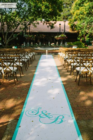 800x800 1415116078389 jeremy russell photography monogram aisle runner
