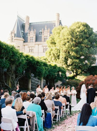Asheville event co advice asheville event co tips north for Biltmore estate wedding prices