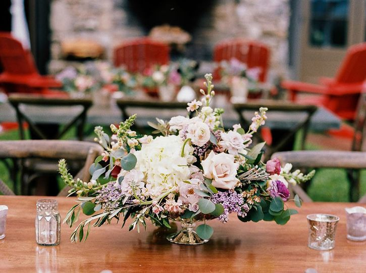 d0bca9245e508cb7 1478808352608 wedding floral tablescape