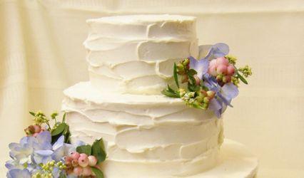 Kiss Me Cakes