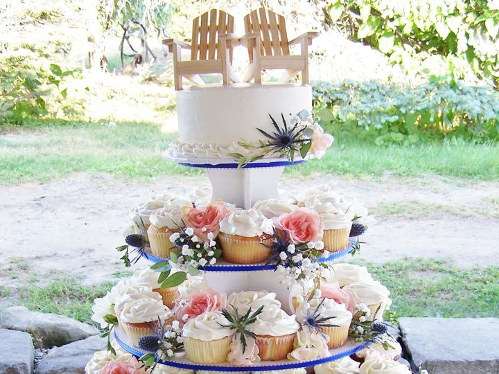 Tmx 1525355925 117cb4d368b7acde 1525355923 F2cad2f891d2be0c 1525355927914 4 Cupcake Tower Trur Wellfleet wedding cake