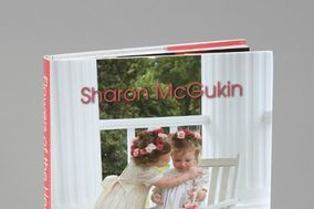 Sharon McGukin's Book: Flowers of the heart - a bride's guide to choosing flowers for her wedding