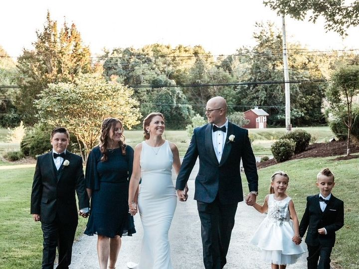 Tmx Image4 51 927913 160692035749453 Doylestown, PA wedding dress