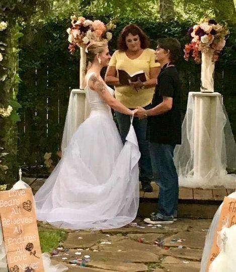 70ec85d3383edd99 1525021004 f8de24cf1a28f3e3 1525020987081 16 Lawson Wedding 7