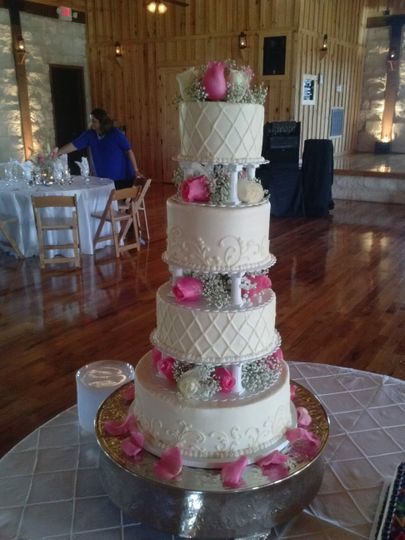 4 tier separated cake