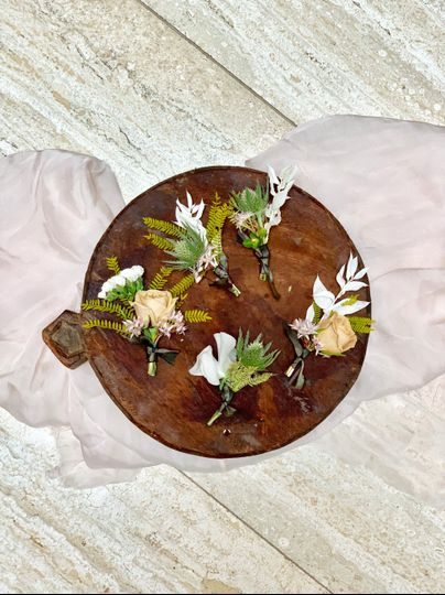 Rustic boutonnieres