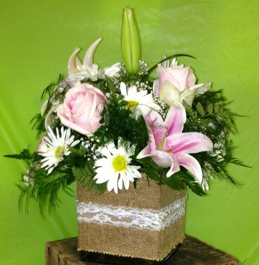 burlap with pink rose and lilly