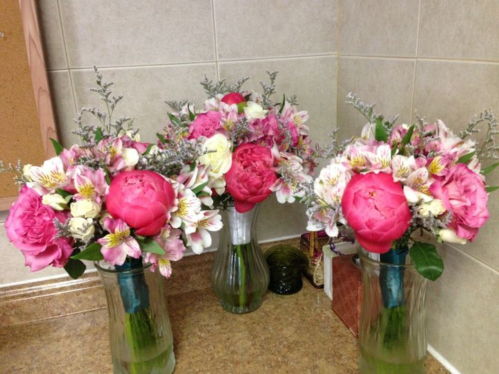 Tmx 1420918624069 Shop Photos 003 Glen Rock, Pennsylvania wedding florist