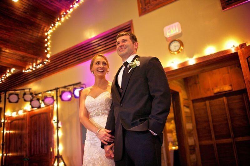 komo bride groom at reception