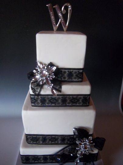 Cake Art Mo : Frosted Art - Wedding Cake - Jefferson City, MO - WeddingWire