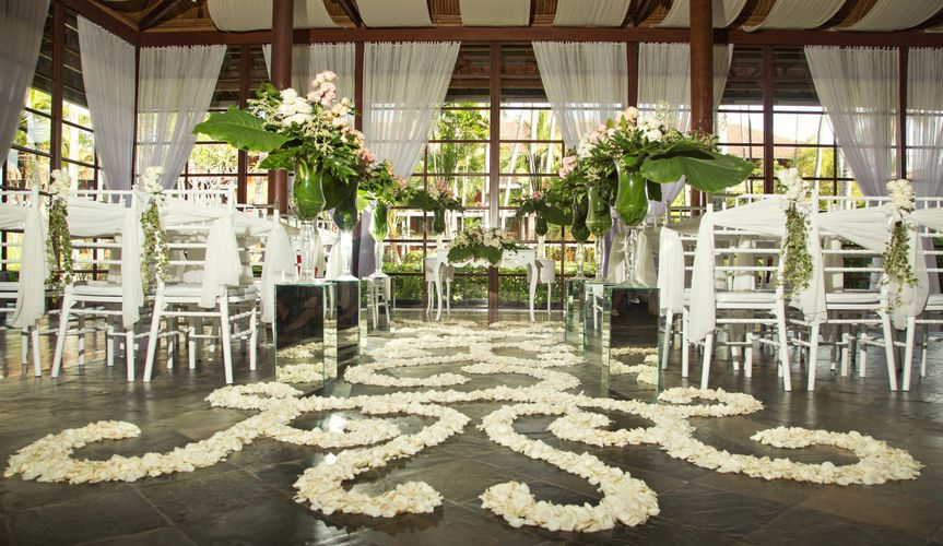 Indoor ceremony design