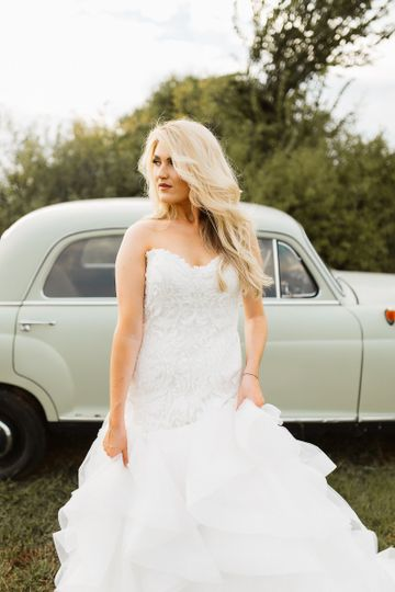 Silhouette Bridal - Dress & Attire - Norman, OK - WeddingWire
