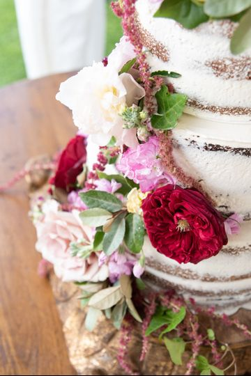Naked cake with garden florals