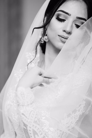 Hair in updo with a veil
