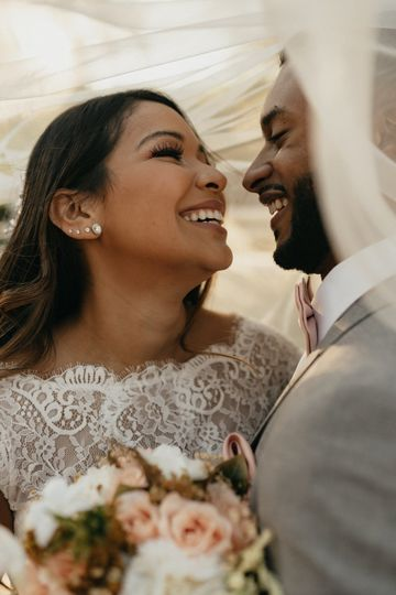 bride groom romantics 16 51 1931123 161730699311958