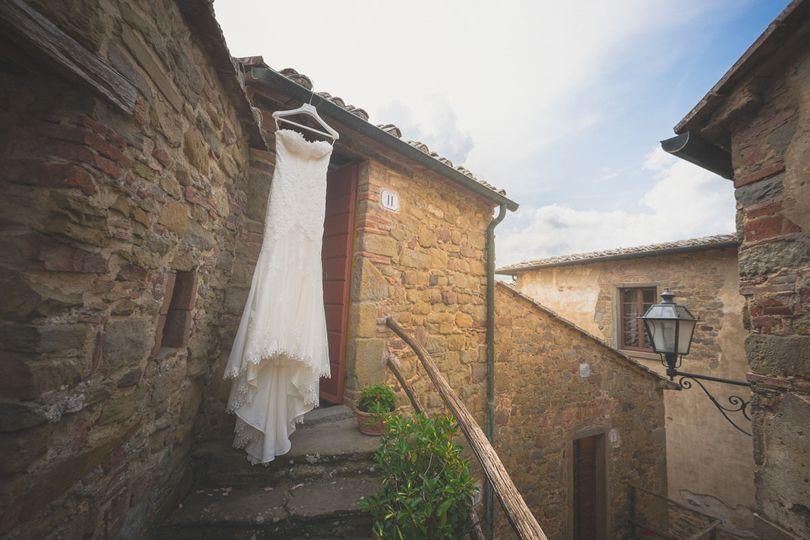 bride dress wedding tuscany