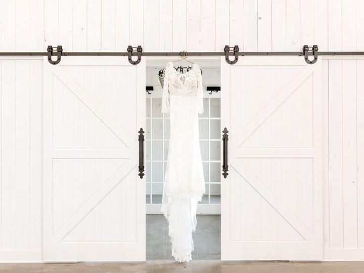 Tmx Willow Brooke Barn Elegant Barn Summer Wedding Alexandra Robyn Photo Award Mn Bride Magazine 39 51 1863123 160199429785042 Red Wing, MN wedding venue