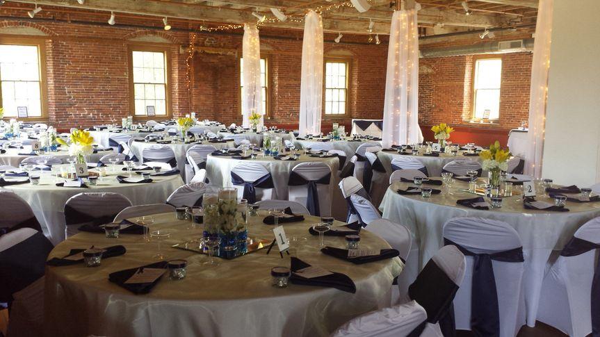 wedding left side dine