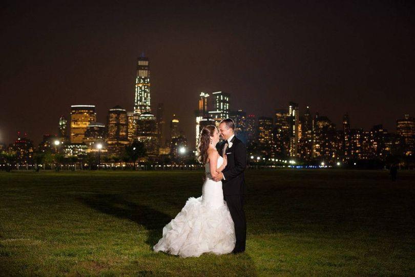 Romance before a cityscape