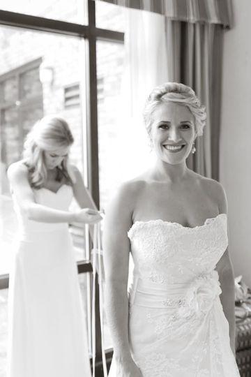 bridal hair29 51 1065123 1559577518
