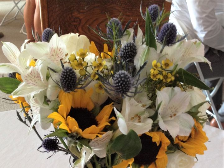 Tmx 1515810675 776667b779d48a5c 1515810673 92eed207098ef70b 1515810673446 15 IMG 1112 Signal Mountain, TN wedding florist