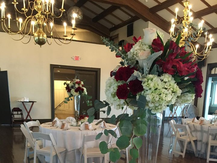 Tmx Img 0798 51 716123 157416682258585 Signal Mountain, TN wedding florist