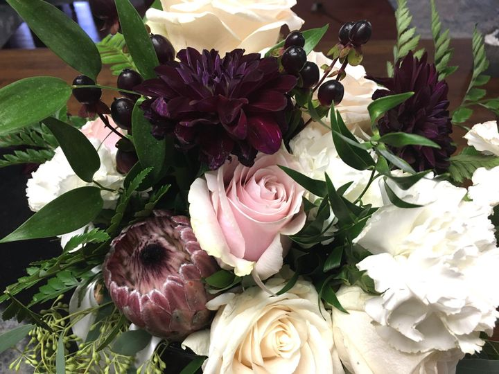 Tmx Img E2046 51 716123 157417153189181 Signal Mountain, TN wedding florist