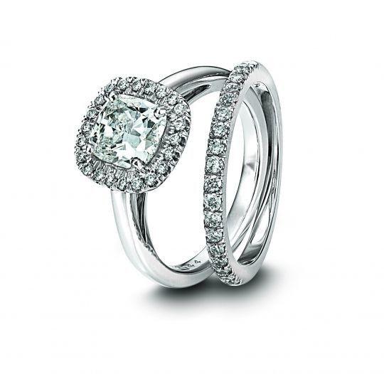 diamond engagement ring cushion cut platinumfull