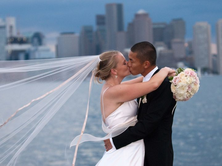 Tmx 1518728463 F4f0e530390084ce 1518728459 C00b7707c26298a5 1518728432269 16 Hyatt Harborside  Boston wedding photography