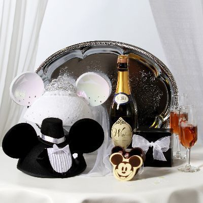 61464fa3e96804bf 1526872376 2d7587f31d7ee632 1526872375668 1 Disney Weddings Ne