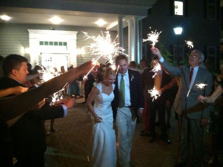 Tmx 1522590546 A5bb73c1efd0ecf8 1522590546 Cb670d93fe03ae60 1522590545856 19 Happy.Couple Spar New Milford, CT wedding band