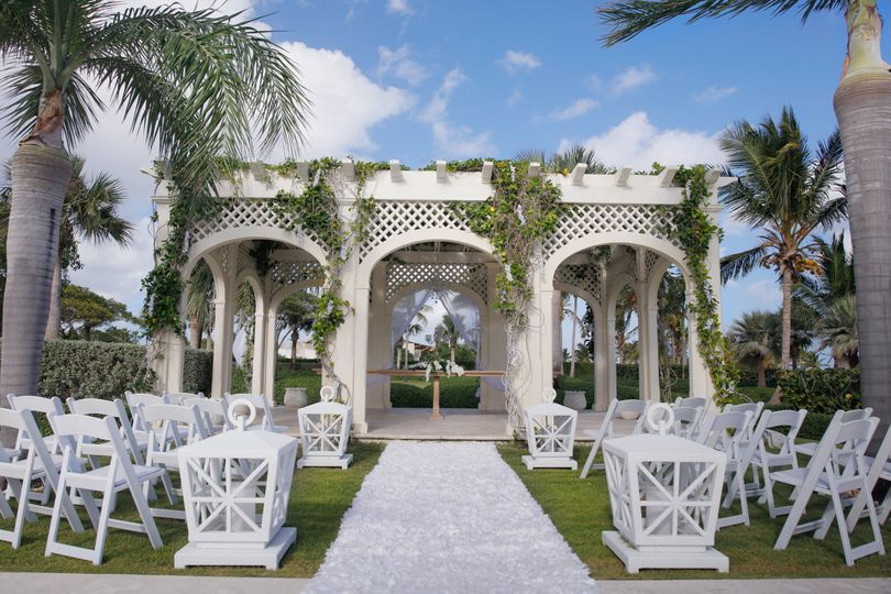 Wedding mansion gazebo