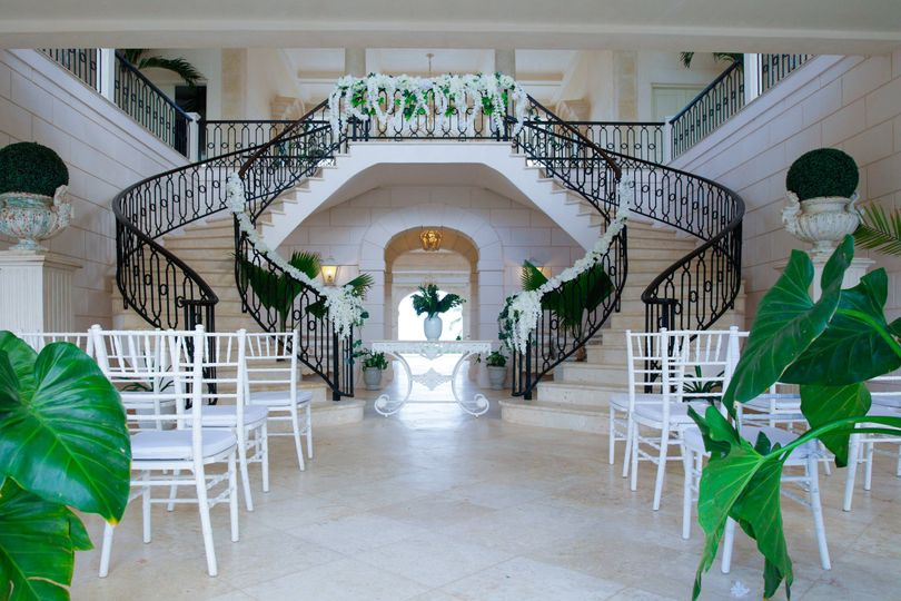 Wedding mansion stairs