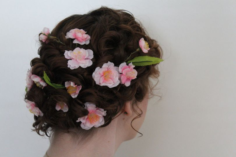 Floral hair style