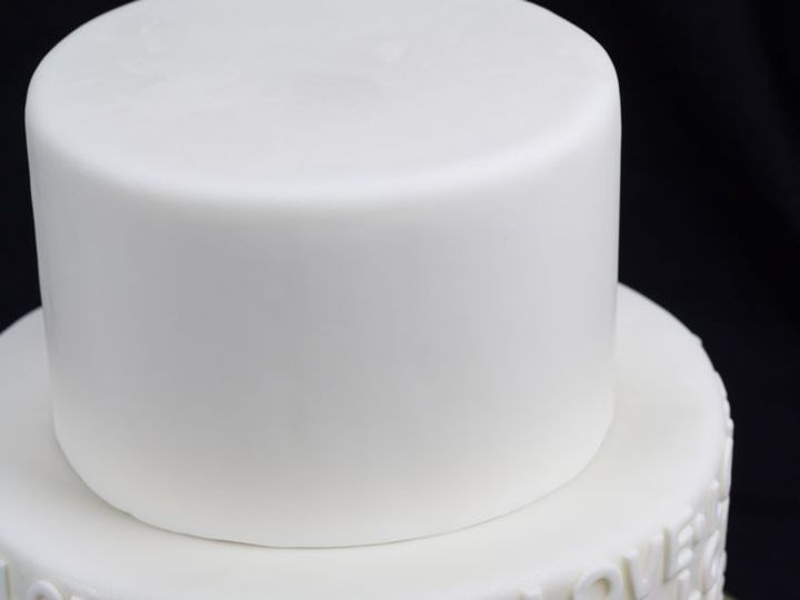 Tmx Watermark Img 1052 51 359223 Springfield, VA wedding cake