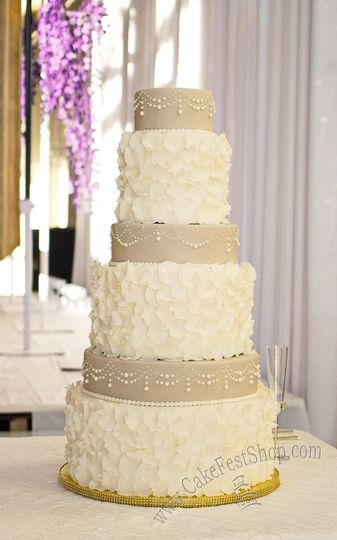 Pearls and ruffle cake