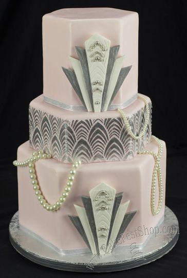 Art deco pink cake